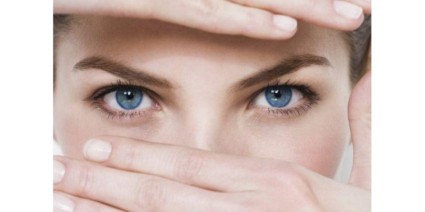 Как изменить цвет глаз с помощью контактных линз